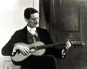 James Joyce and a guitar