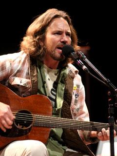 Eddie Veder live in San Diego